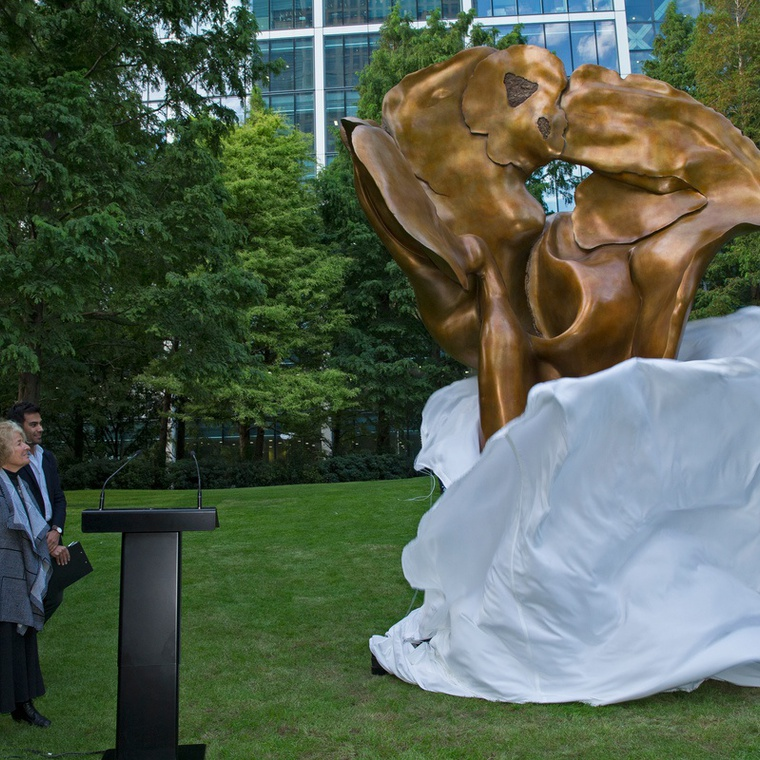 HELAINE BLUMENFELD OBE UNVEILING 'FORTUNA' WITH SIR GEORGE IACOBESCU AT CANARY WHARF
